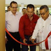 el corte de liston lo realizaron: Lic. Andrés González Palomera, Ing. José Ramón Godoy, Dr. Salvador Chávez Ramírez